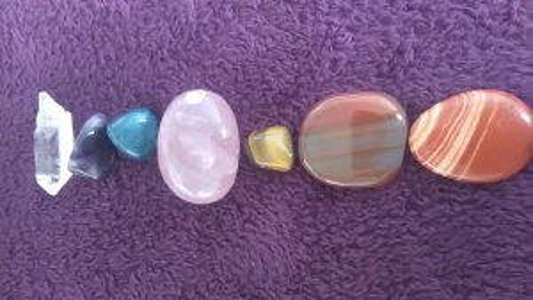 Les minéraux que j'utilise pour nettoyer, équilibrer et harmoniser les chakras.